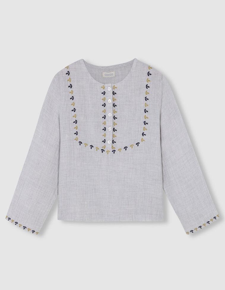 Camisa branca com bordados