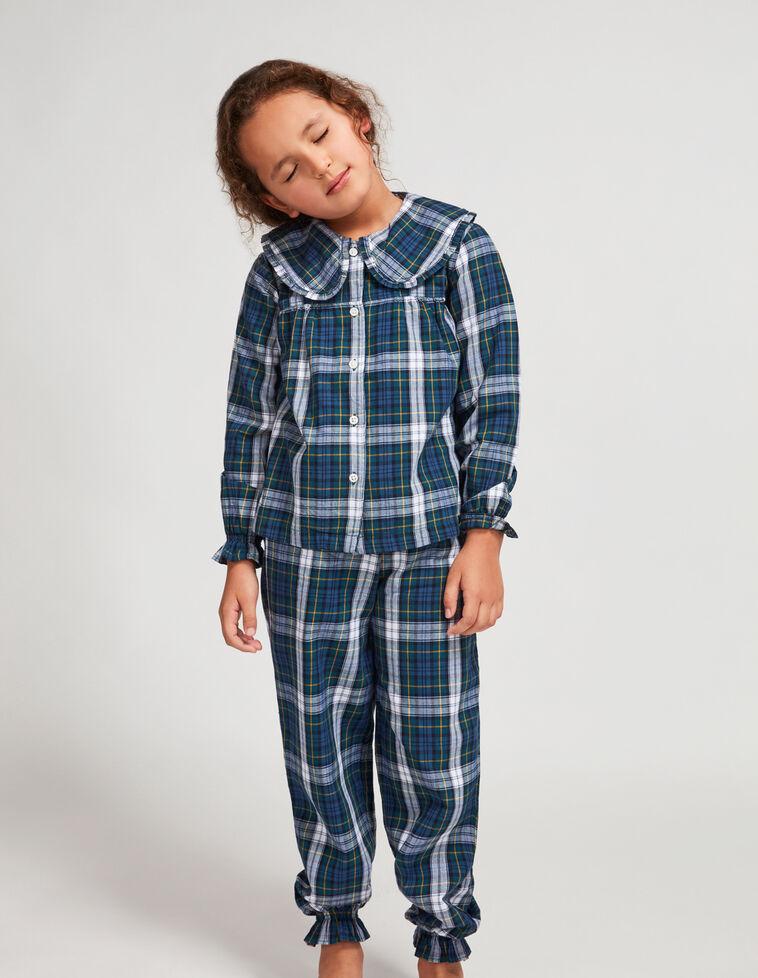 Pijama de cuadro escoces verde.
