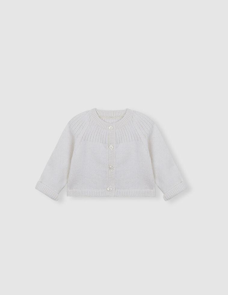 Casaco branco detalhe